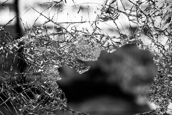 Во Владивостоке гружёный большегруз протаранил более десяти машин
