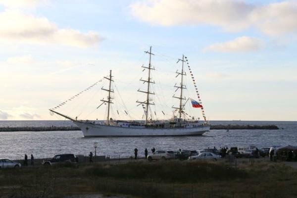 Знаменитый парусник «Надежда» защитят от пиратов морские пехотинцы