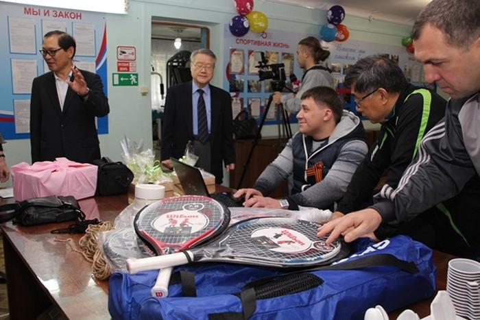 Гости из Южной Кореи обучали инвалидов Артёма настольному теннису