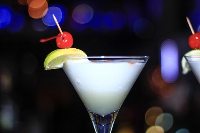 В Приморье с начала 2017 года конфисковали свыше 8000 литров алкоголя