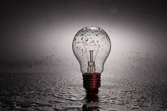 В Приморье «управляйка» незаконно отключила свет жителю многоквартирного дома