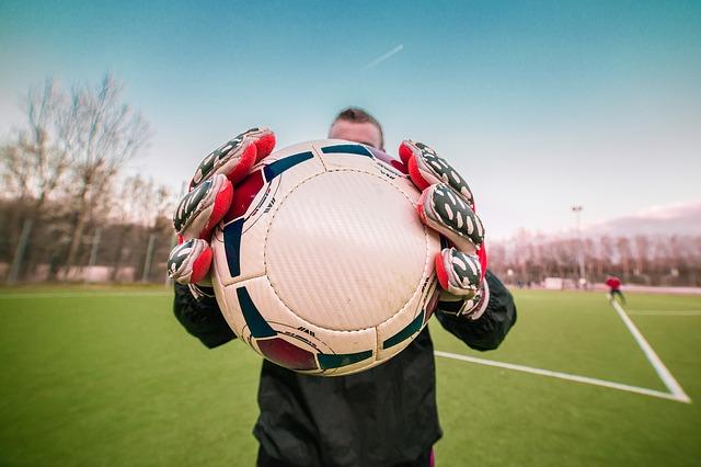 В Приморье осуждённые играли в футбол с общественниками