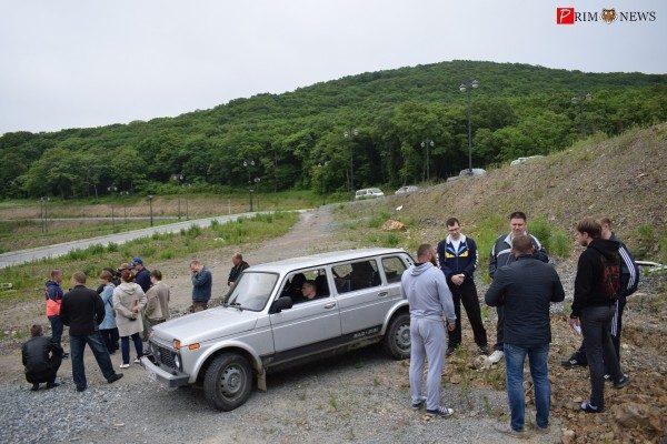 Жители Владивостока вышли на борьбу с сомнительной, на их взгляд, стоянкой