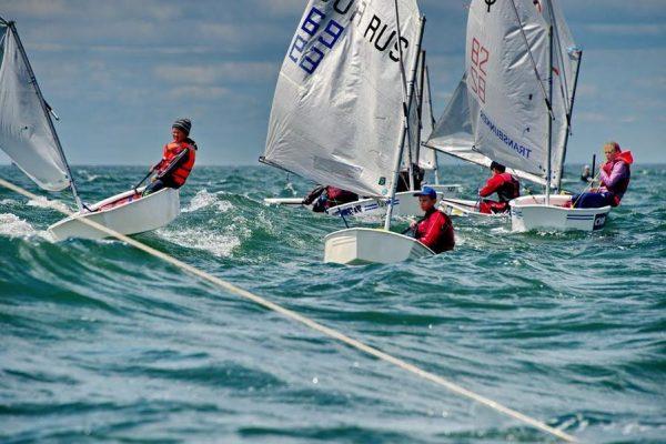 Юные хабаровские яхтсмены впервые выиграли «Кубок залива Петра Великого»