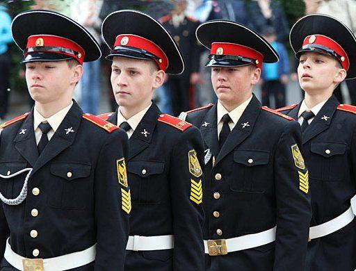 В Уссурийске отрепетировали выпускной вечер суворовского училища