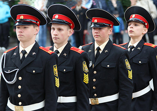 военные училища росси куда поступит брючки для
