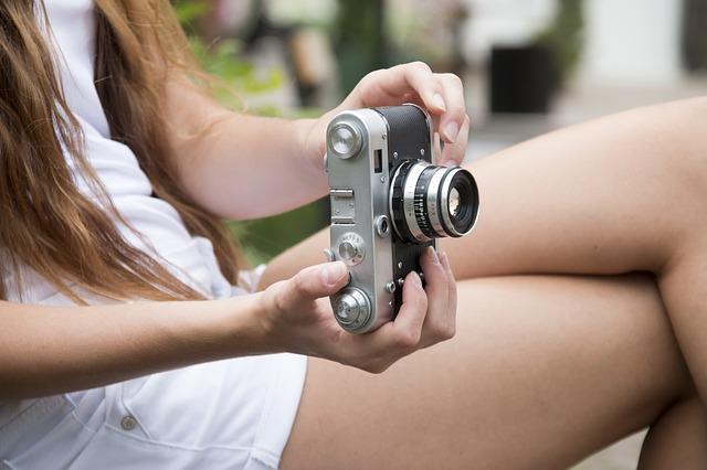 Взяла в аренду и не вернула: жительницу Приморья обвинили в присвоении фотокамеры