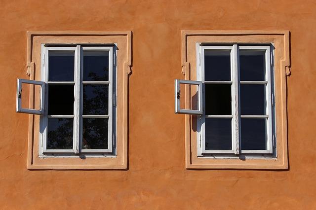 Обзор: какими бывают деревянные окна