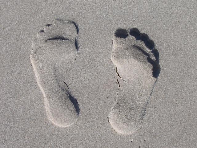 В Приморье отдыхающий чуть не утопил внедорожник прямо на песчаном пляже