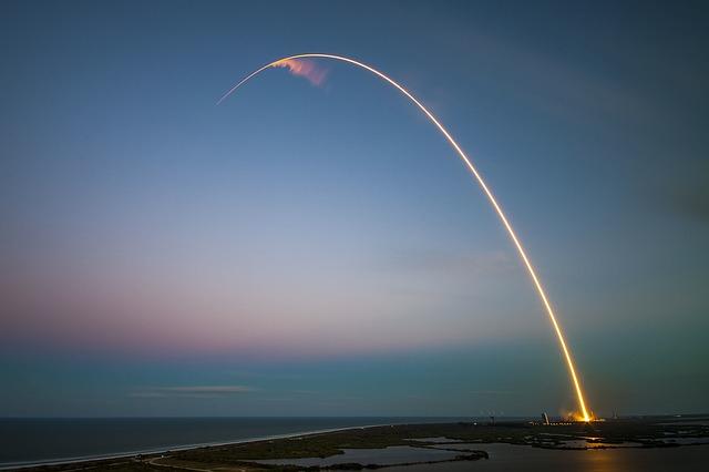 «Вообще не смешно»: приморцы комментируют очередные ракетные пуски КНДР