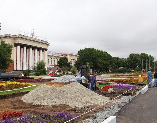 В Артёме начали ремонт главной придворцовой площади