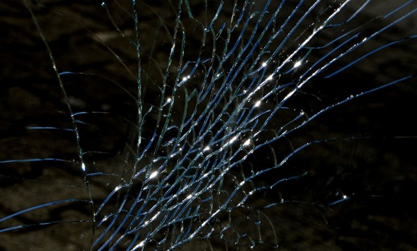 «Колёсами печально в небо смотрит круизёр»: во Владивостоке джип перевернулся на крышу
