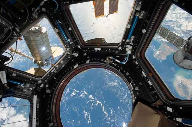 Удивительными фото Владивостока поделились с борта МКС