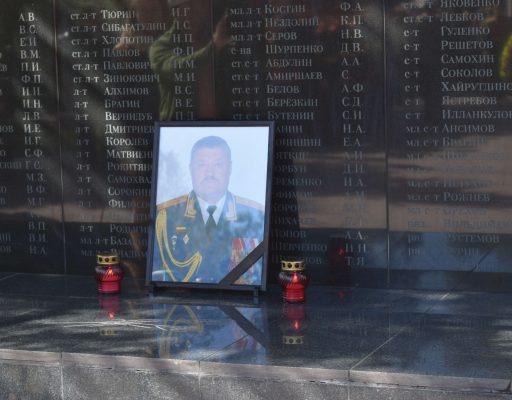 В Уссурийске простились с погибшим в Сирии генерал-лейтенантом Валерием Асаповым