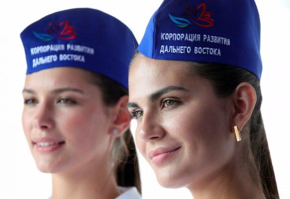 Приморцам предложили поработать водителями на ВЭФ за 150 рублей в час