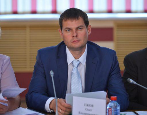 Бывшего вице-губернатора Приморья Олега Ежова отпустили под домашний арест