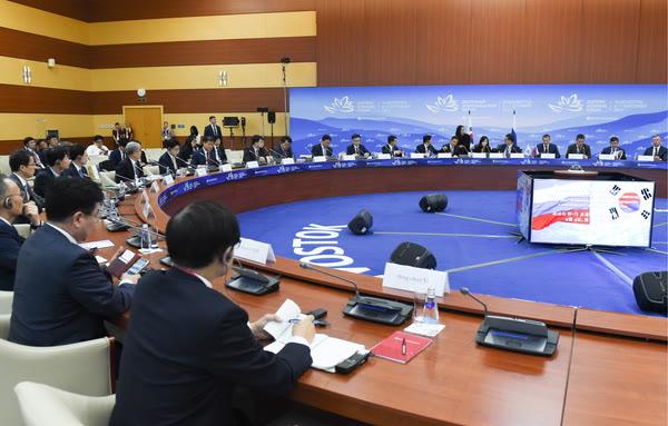 Конфуз: ФСО пустила далеко не всех молодых предпринимателей на ВЭФ-2017