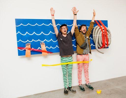 Во Владивостоке открылась выставка «К Востоку прилагается Запад, или к дивану прилагается хвост»