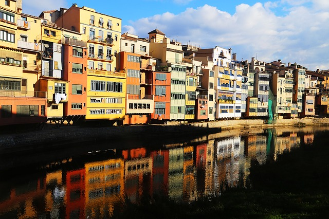 Референдум в Каталонии: явка превысила 50%, число пострадавших — более 300