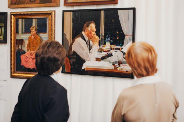 Гости и жители Владивостока помогли проекту «Окна в Россию. Шедевры семи поколений» собрать аудиторию в 100 тысяч человек