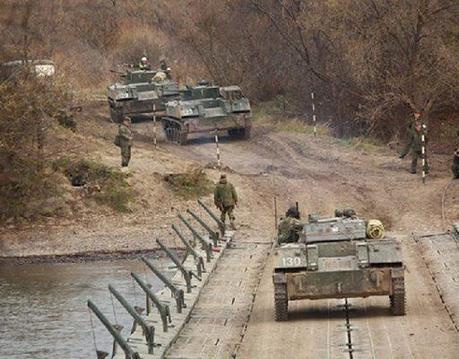 Тактическое учение: в Приморье спецназ ВДВ овладел мостовой переправой