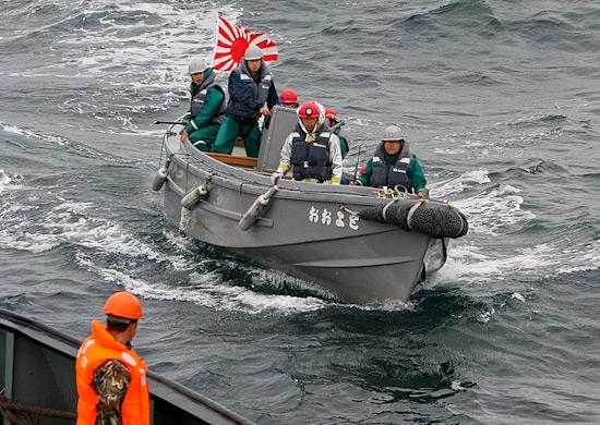 Отряд японских военных кораблей покинул Владивосток