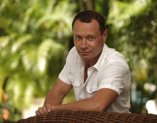 Экс-мэр Владивостока Владимир Николаев появился на публике
