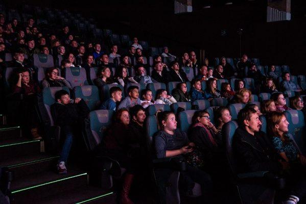 Желающие посмотреть фильм «Т-34» в Приморье устроили «штурм» кинотеатра