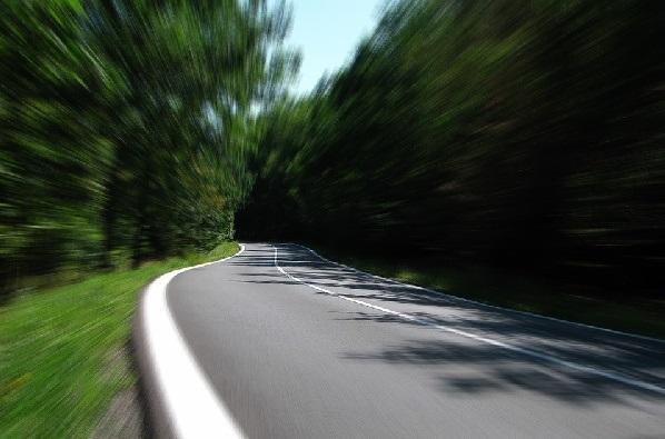 В Приморье юного пассажира авто чуть не убило отскочившим камнем