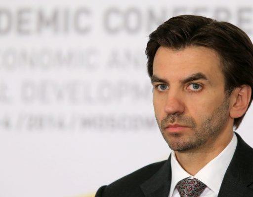 Министр без портфеля Михаил Абызов провёл шесть часов в пробках во Владивостоке