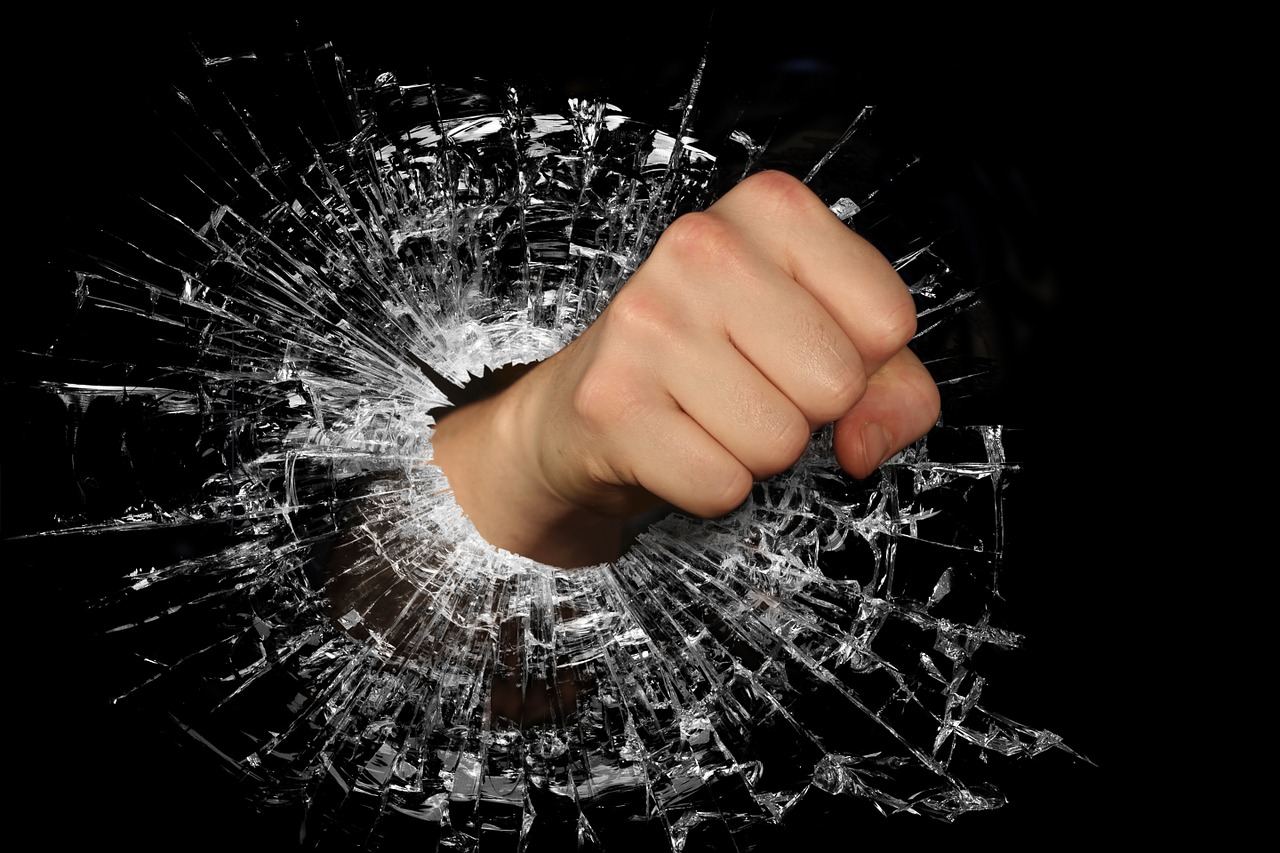 Во Владивостоке сотрудница Почты России избила коллегу