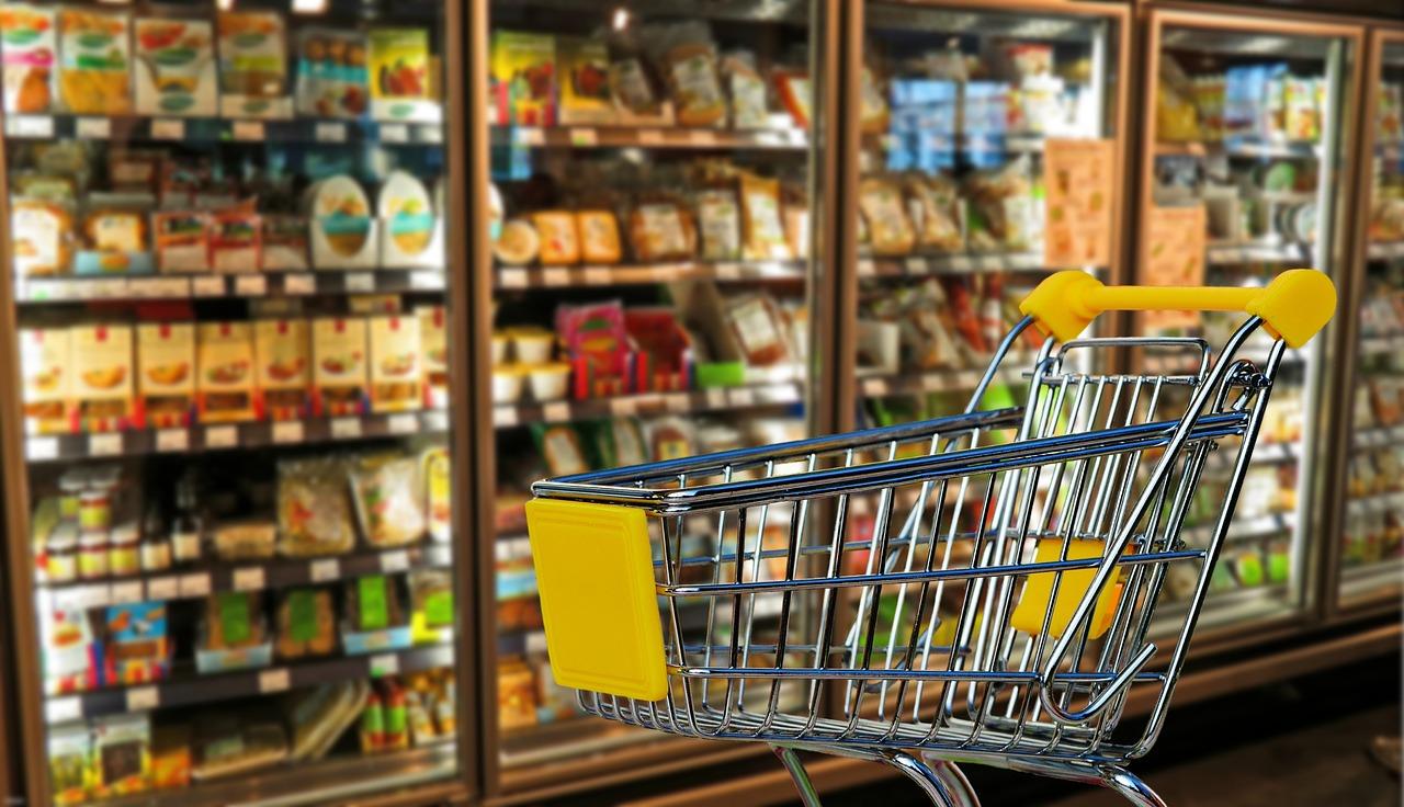 «Город для людей»: владивостокцам предложили купить рис за 40 рублей, молоко— за 70, а хлеб— за 29 рублей