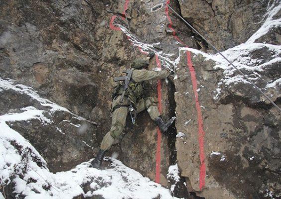Морпехи ТОФ провели тренировку по горной подготовке