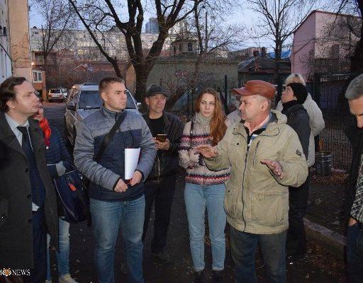 «Странная» стройка в историческом центре Владивостока заставила жильцов обратиться в правоохранительные органы