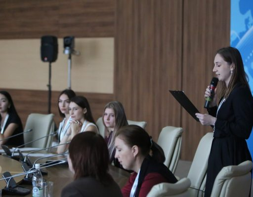 Участницы финала «Красы студенчества России» во Владивостоке рассуждали на тему природы красоты