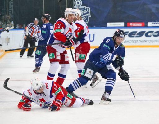 Хоккеисты «Адмирала» «всухую» проиграли «Локомотиву»