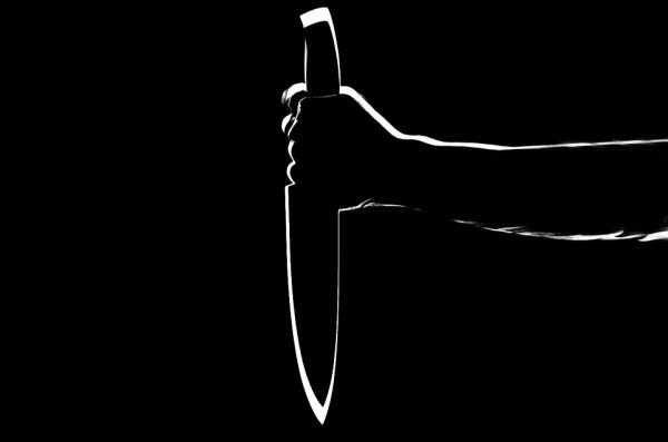 В Приморье зарезали мужчину на почве ревности