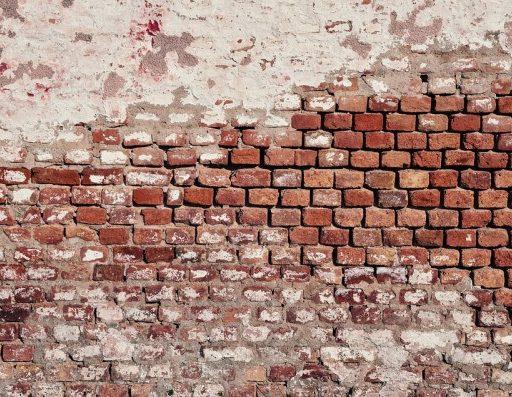 В приморском селе Новоникольск «законсервирован» Дом культуры: здание гниёт и ветшает