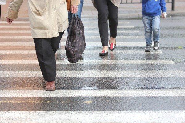 В Приморье автомобиль сбил женщину-пешехода