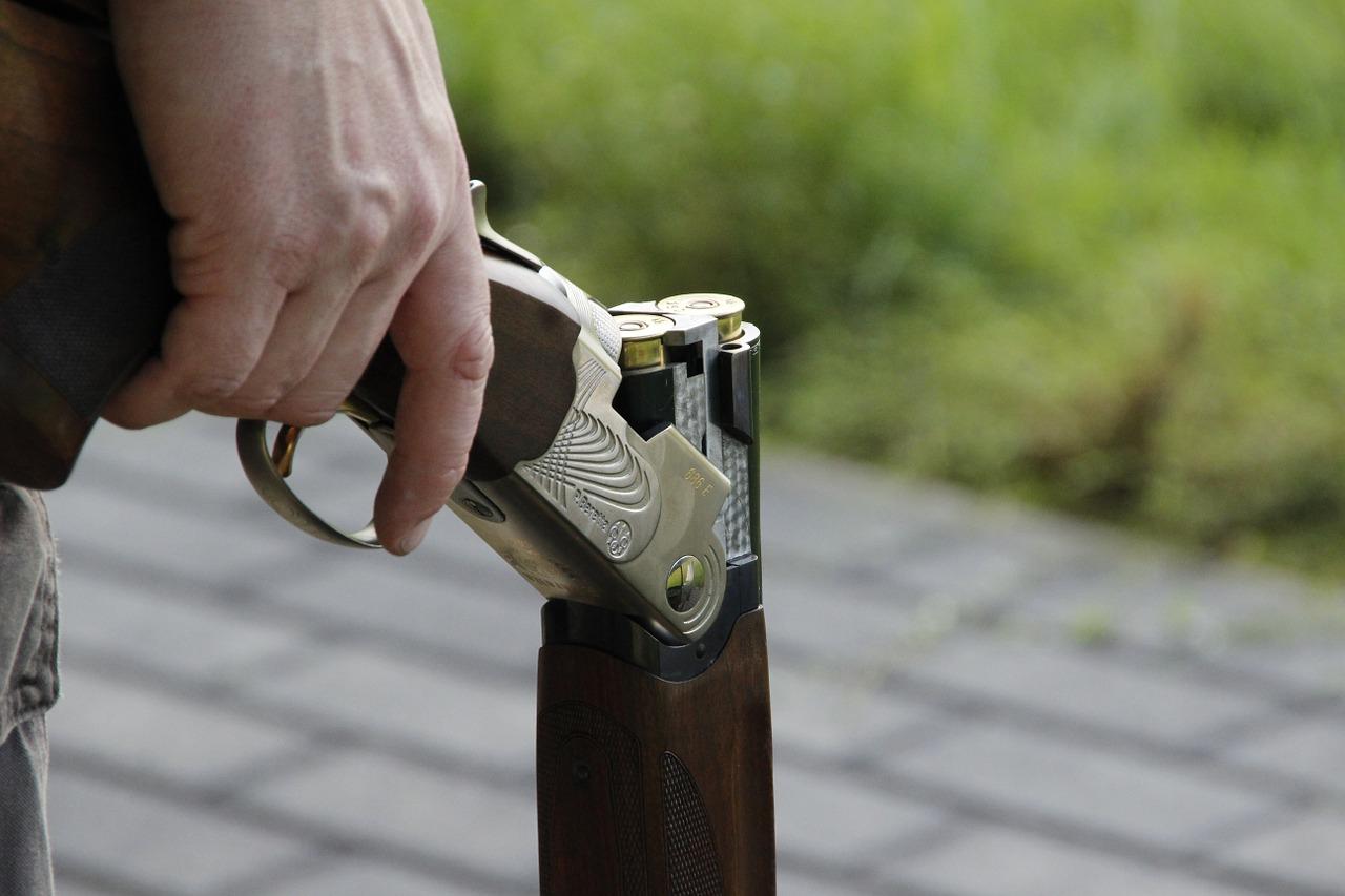 В Приморье наркоманам и алкоголикам дали лицензию на оружие