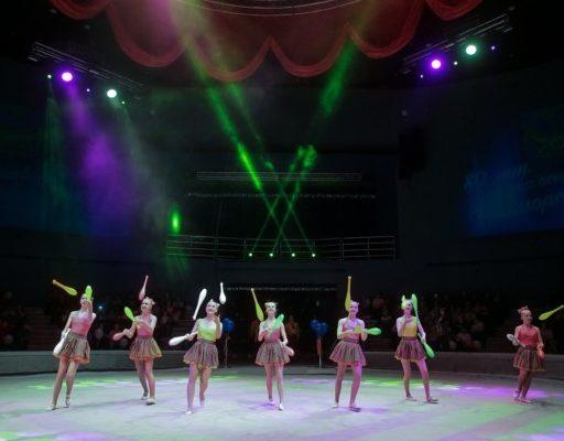 Первое выступление в обновлённом цирке Владивостока собрало около 2000 человек