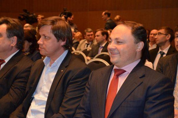 Экс-мэр Владивостока Игорь Пушкарёв поздравил горожан с Новым годом