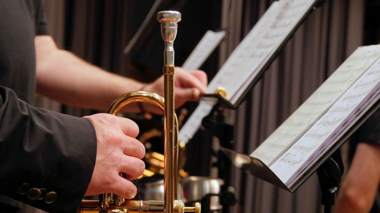 Оркестр Уссурийского суворовского училища дал новогодний концерт
