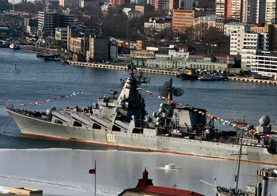 Лучшие военнослужащие флагмана ТОФ крейсера «Варяг» отметят День защитника Отечества в Москве