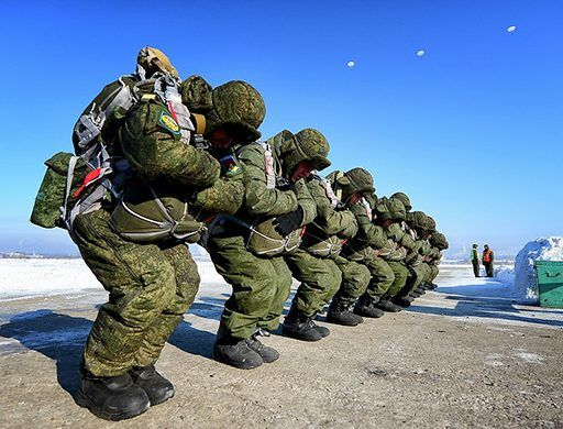 Во Владивостоке больше чиновников и военнослужащих, чем врачей и учителей — статистика