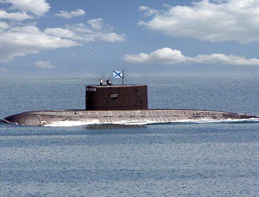 Журналистов пустили в отсеки подводной лодки во Владивостоке