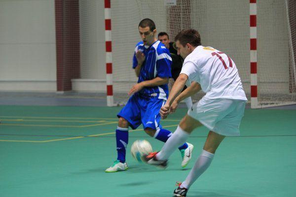 Во Владивостоке любители мини-футбола решили провести турнир на выходных