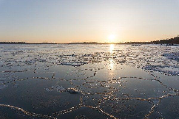 На водоёмах Приморья началось разрушение льда