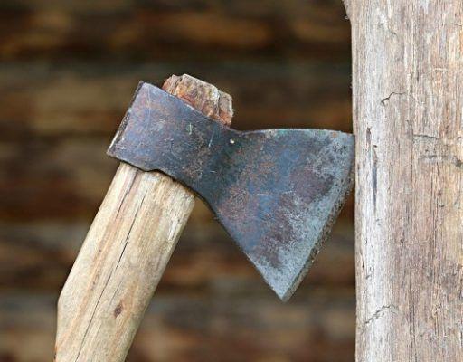 Приморцу, ударившему топором свою сожительницу, ужесточили наказание