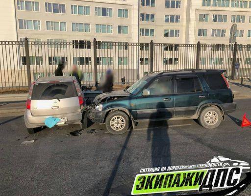 Неожиданный манёвр автомобилистки привёл к серьёзному ДТП на острове Русский